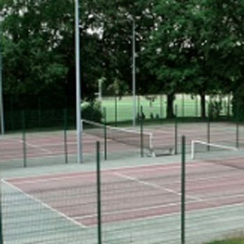 6 courts exterieurs